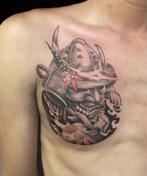 Hình xăm samurai ở ngực cho nam